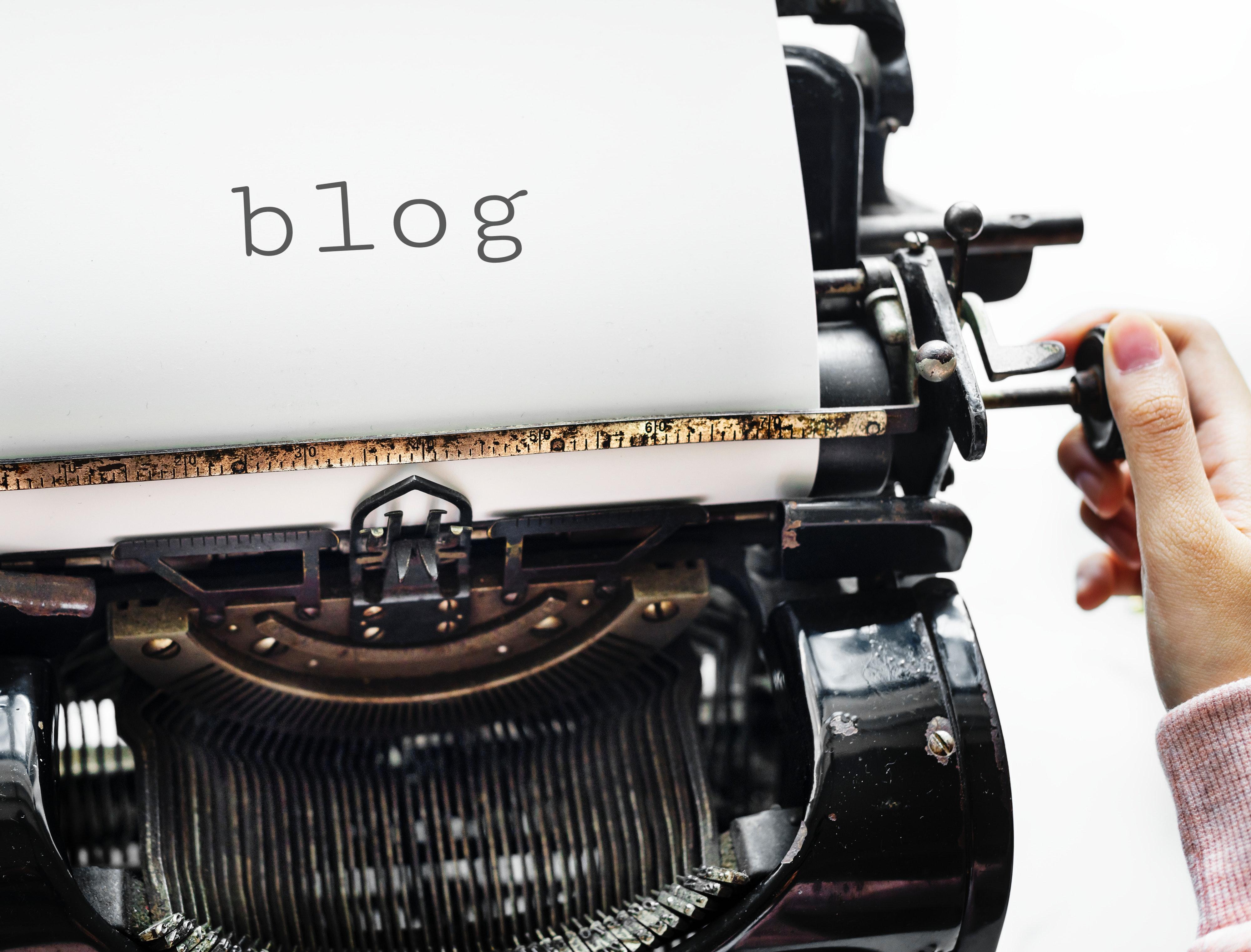 antique-blog-equipment-1262972